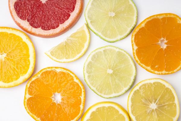柑橘系 香り 目元とまゆ毛のご褒美 香り