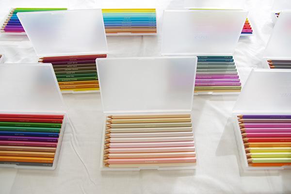 フェリシモ500色の色えんぴつ1セットの色例