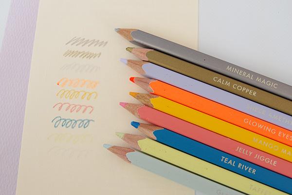 フェリシモ500色の色鉛筆に含まれる特徴的な色