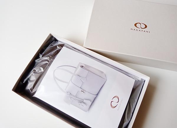 NAGATANI(ナガタニ)のスマホポーチSPUR(シュプール)化粧箱