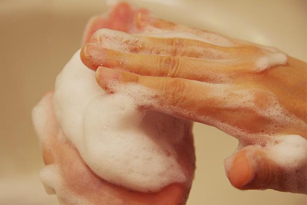 酵素洗顔パウダーナールスフォームは弾力がある泡です。