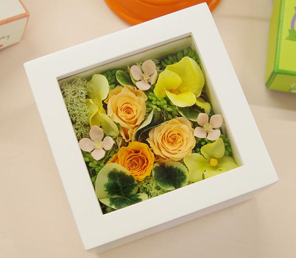 日比谷花壇ペットお供えセットに含まれるプリザーブドアレンジ