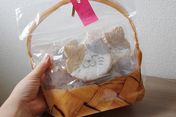 みなとやのかわいいネコ型七福にゃんべいかごパッケージ