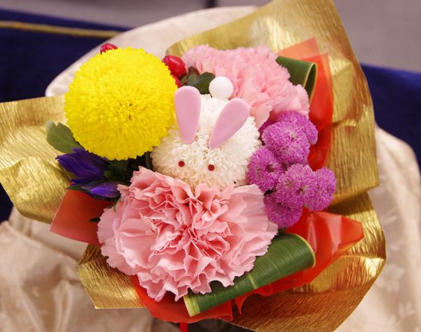 2018 日比谷花壇 そのまま飾れるブーケ うさぎ 口コミ